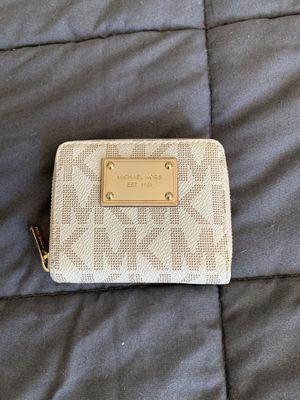 Michael Kors small wallet for Sale in Ypsilanti, MI