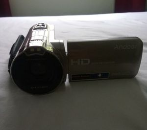 HAND CAMERA/ NOT FREE/ CAMERA/ 16x POWERFUL ZOOM/ 10X STEADY/ GREAT CONDITION/ CAMCORDER/ DIGITAL CAMERA/ WITH COVER FOR PROTECTION/ WITH FLIP SCREEN for Sale in Cerritos, CA