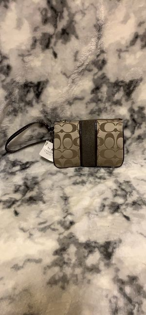 BRAND NEW WITH TAGS Brown Coach Wristlet for Sale in Fort Belvoir, VA