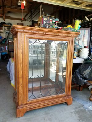 Curio cabinet for Sale in Upland, CA