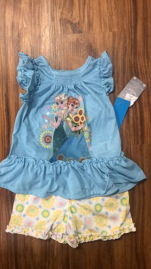 NEW Disney Store Princess Anna and Elsa Frozen Pajama Size 3 for Sale in Thiells, NY