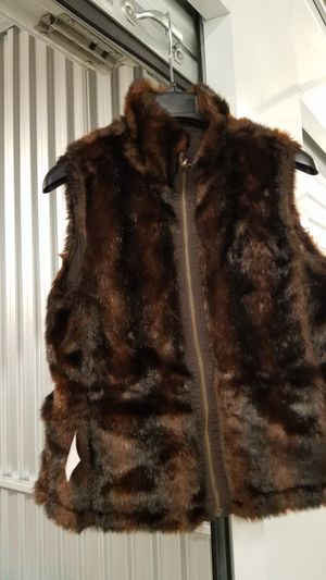 Brand new faux mink fur vest / jacket reversible had two sides size medium for Sale in Everett, WA