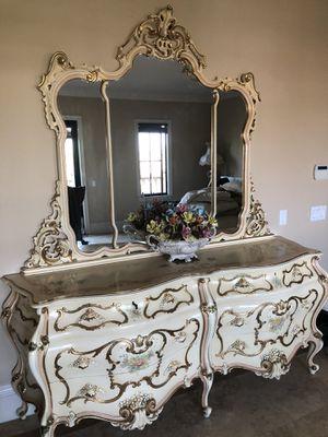 Semi antique Italian bedroom set for Sale in Costa Mesa, CA