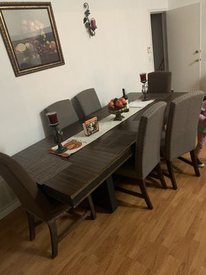 Dining table for Sale in San Jacinto, CA