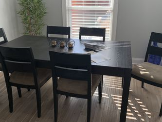 Wood Table With Chairs for Sale in Westchester,  IL