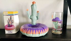 Vintage Cactus floating coaster with matching 20oz. plastic cooler glass for Sale in Scottsdale, AZ