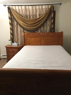 Queen bed set for Sale in Oak Lawn, IL