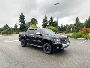 2008 Chevrolet Avalanche Ltz Z71 off-road package for Sale in Marysville, WA