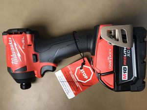 Milwaukee M18 FUEL ONE-KEY 18-Volt Lithium-Ion Brushless Cordless 1/4 in. Hex Impact Driver/battery for Sale in Pembroke Pines, FL