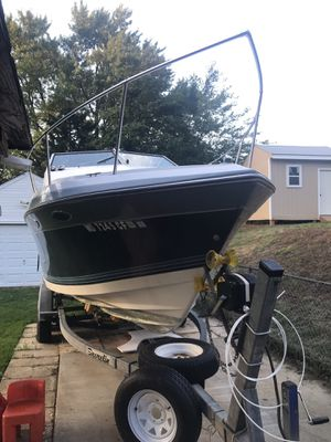 "24' 8"" Four Winns Boat for Sale in Silver Spring, MD"