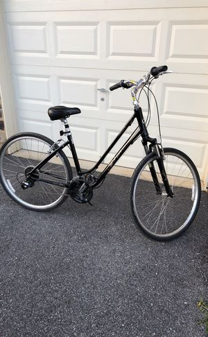 Giant Cypress DX hybrid bike - Awesome Deal! for Sale in Frederick, MD