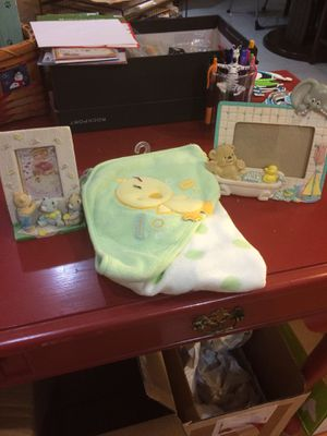 Brand new Duck infant towel and 2 photo frames for Sale in Plano, TX