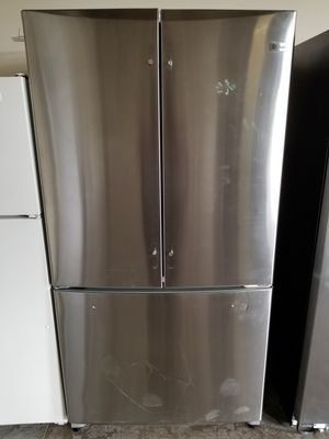GE Stainless Steel Refrigerator for Sale in Wahiawa, HI