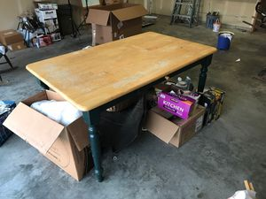 Country kitchen table with drawer-Needs to go ASAP Free for Sale in Auburn, WA