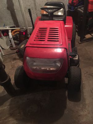 Yard Machines Red Tractor. for Sale in Kansas City, MO