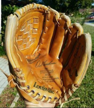 "LOUISVILLE SLUGGER OREL HERSHISER 12"" BASEBALL / SOFTBALL GLOVE HBG26H TOP GRAIN COWHIDE for Sale in Boca Raton, FL"