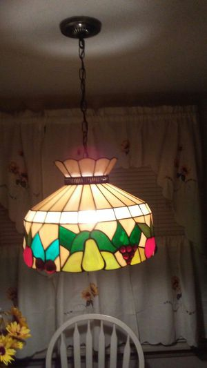 Tiffany style hanging kitchen table light for Sale in Huntington, IN