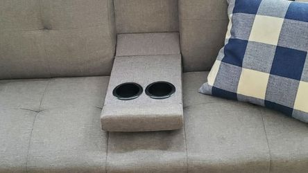 "Gray Futon With Cup Holder And Throw Pillows, 72"" for Sale in Peoria,  IL"