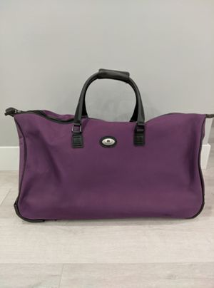 Purple Leisure Luggage Tote / Duffle Bag with Wheels for Sale in Costa Mesa, CA