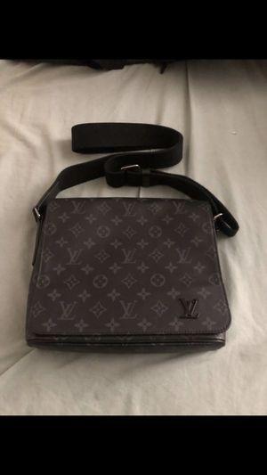 LV Messenger Bag for Sale in Randallstown, MD