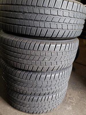 245/65R17 Michelin Defender for Sale in Hammond, IN