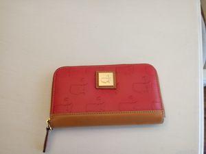 Pink wallet for Sale in Kernersville, NC