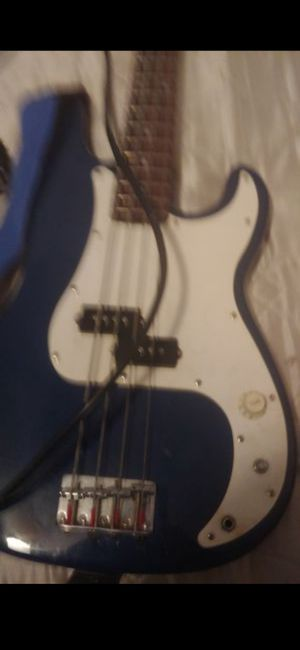 Bass guitar for Sale in Phoenix, AZ
