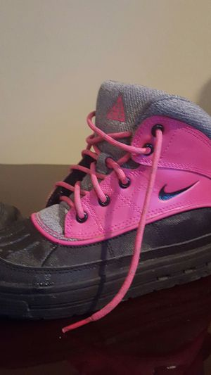 Girls NIKE boots size 13 for Sale in Chambersburg, PA