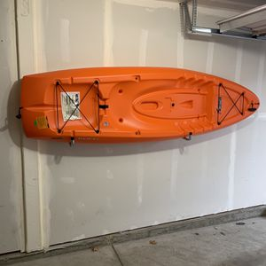 Lifetime Hydros 8 ft 5 in Sit-on-top Kayak (Paddle And Back Rest Included) for Sale in Portland, OR