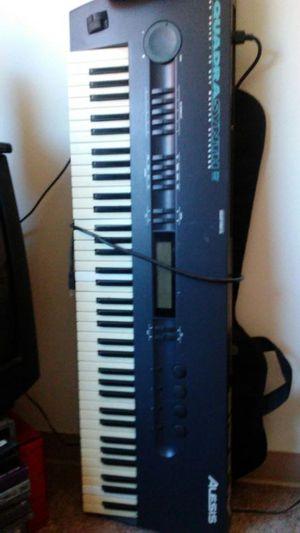 Alesis 64 voice quadraSynth keyboard for Sale in Portland, OR