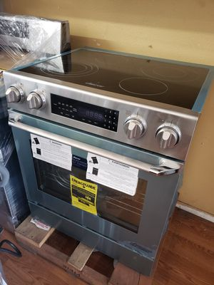 "NEW ! DACOR 30"" STAINLESS STEEL 2018 SLIDE IN STOVE for Sale in Pasadena, CA"