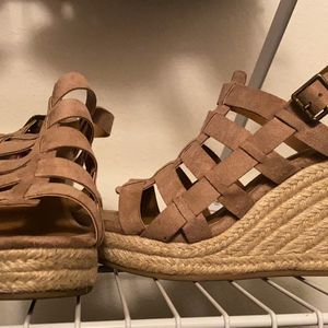 Sandals for Sale in Peoria, IL