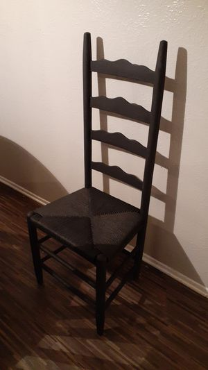 Antique chair for Sale in Dallas, TX