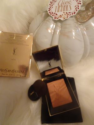 YSL Stone New Bronzer Makeup w/ Brush for Sale in San Diego, CA