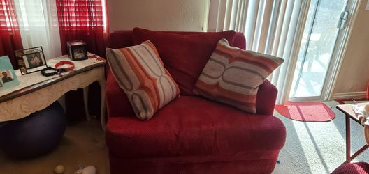 OVERSIZED CHAIR AND OVERSIZED LOVESEAT for Sale in North Las Vegas,  NV