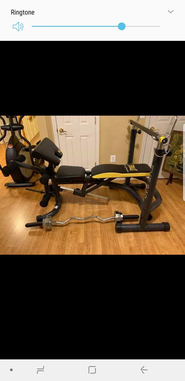 Weight bench w/ curl bar