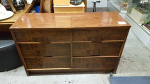 Dresser for Sale in Willoughby, OH