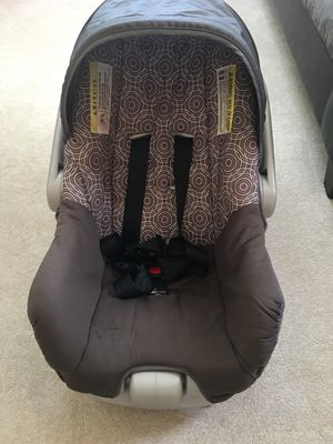 Evenflo infant car seat with base for Sale in Vestal, NY