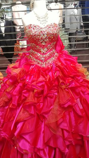 Quinceanera dress package for Sale in Hayward, CA
