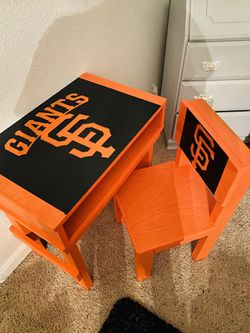 Kids desk for Sale in Gilroy,  CA