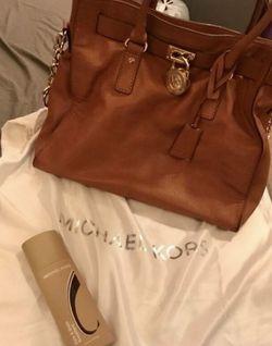 Michael Kors Large Tote Bag for Sale in Hendersonville,  TN
