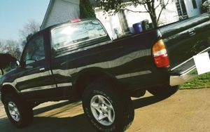 Not a daily, stays in garage- Toyota TACOMA 01 for Sale in San Jose, CA