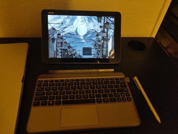 Asus Mini Transformer 2 in 1 Laptop