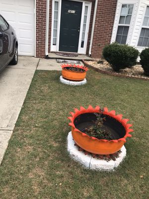 Crown flower pots for Sale in Lilburn, GA