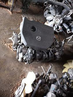 09 2.0 Motor Mazda 3 for Sale in San Antonio,  TX