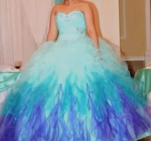 Quinceanera dress for Sale in Mundelein, IL