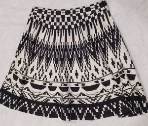 Flying Tomato Black and White Patterned Skirt Size L for Sale in Southlake, TX