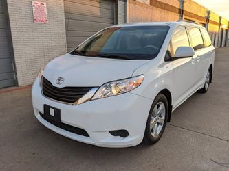 2011 Toyota Sienna LE One Owner 8 Passenger for Sale in Garland, TX