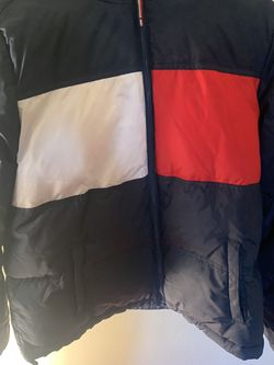 Woman's Tommy Hilfiger Coat Size Large for Sale in The Bronx,  NY
