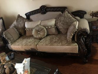 7 Piece Living Room Set/ Couches for Sale in Dearborn,  MI